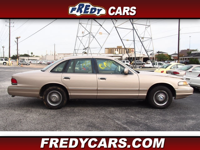 Photo 1997 Ford Crown Victoria