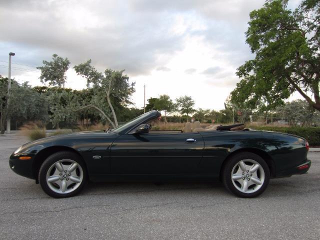 Photo 1997 Jaguar XK-Series XK8