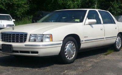 Photo 1999 Cadillac Deville Base 4DR Sedan