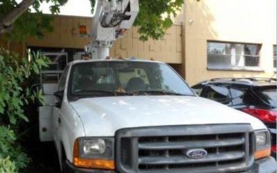 Photo 2000 Ford F450 Boom Truck