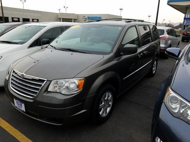 Photo 2010 Chrysler Town And Country Touring 4DR Mini-Van