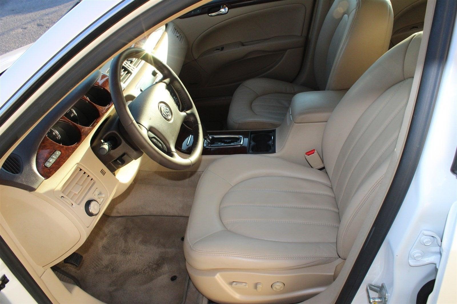 Photo 2011 Buick Lucerne CXL Premium 4DR Sedan