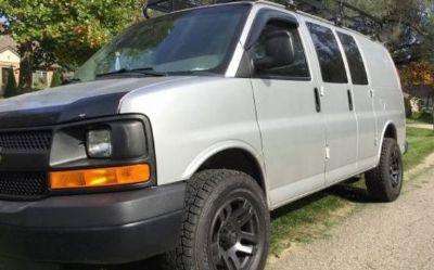 Photo 2011 Chevrolet 1500 Express Van