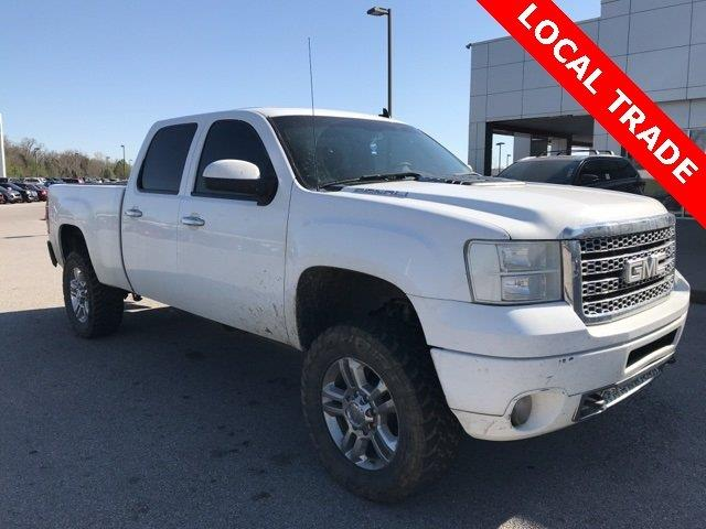 Photo 2011 GMC Sierra 2500HD 4X4 Denali 4DR Crew Cab SB