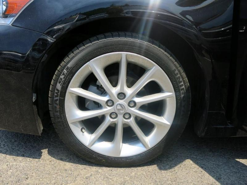 Photo 2013 Lexus CT 200H 4DR Hatchback