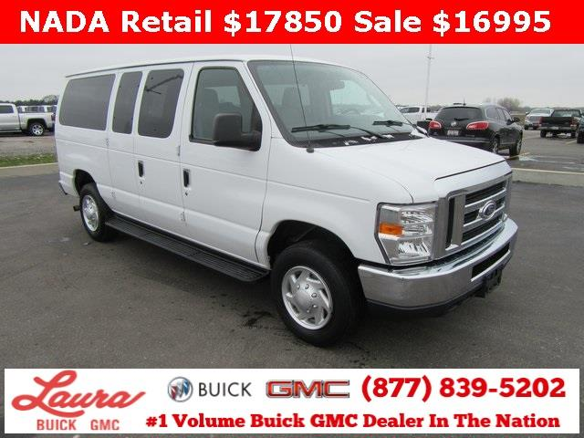 Photo 2014 Ford E-Series Wagon E-350 SD XL 3DR Passenger Van