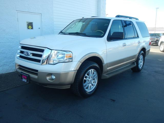 Photo 2014 Ford Expedition 4X4 XLT 4DR SUV
