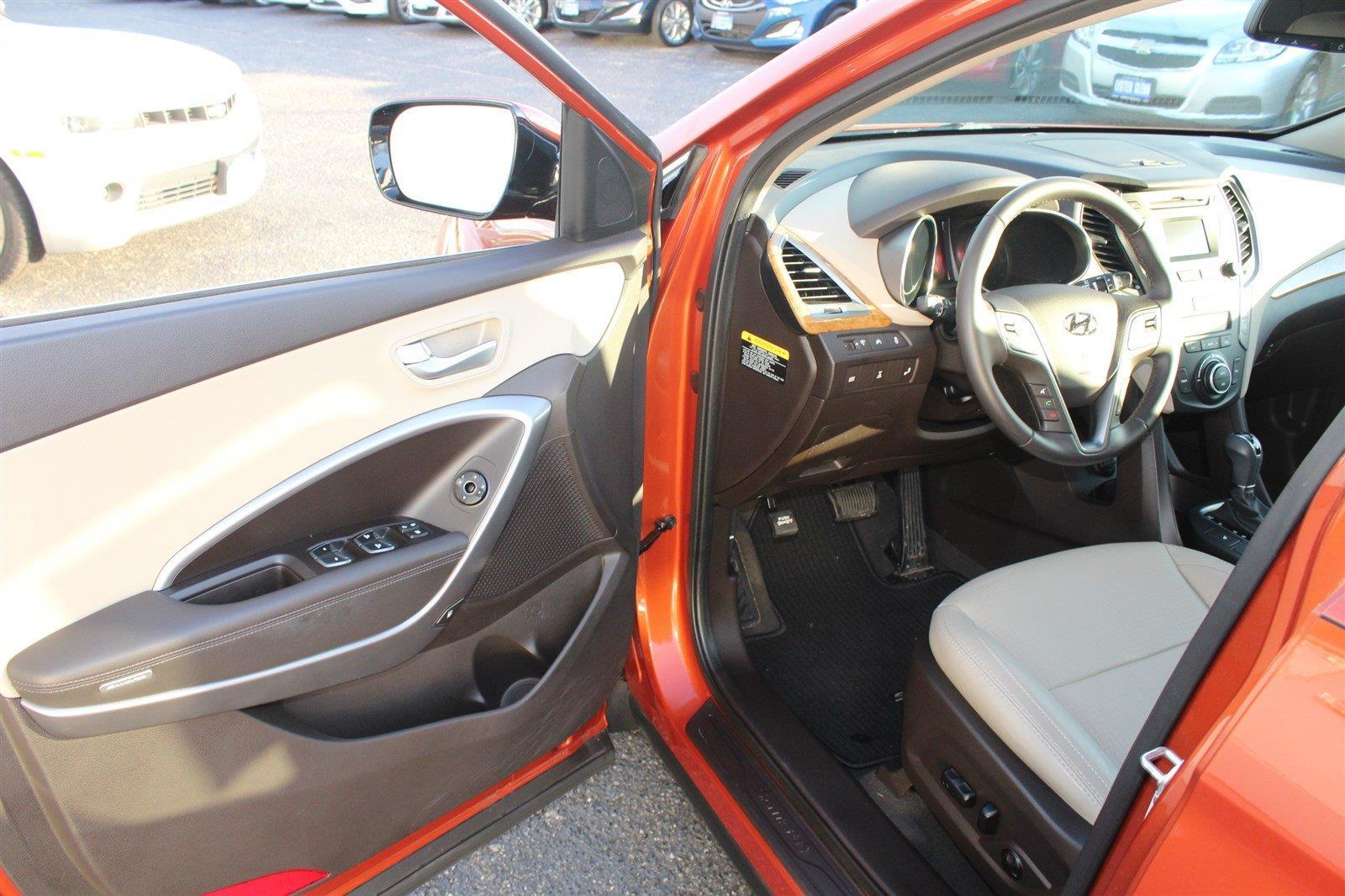 Photo 2015 Hyundai Santa FE Sport AWD 2.4L 4DR SUV