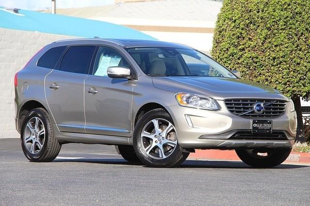 Photo 2015 Volvo XC60 AWD T6 4DR SUV midyear Release