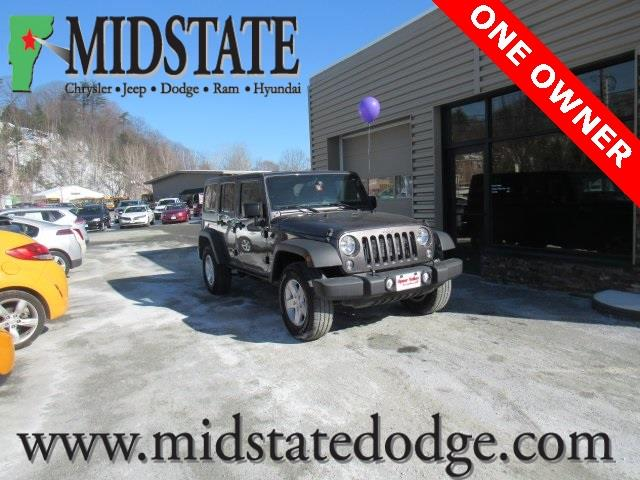Photo 2016 Jeep Wrangler Unlimited 4X4 Black Bear 4DR SUV