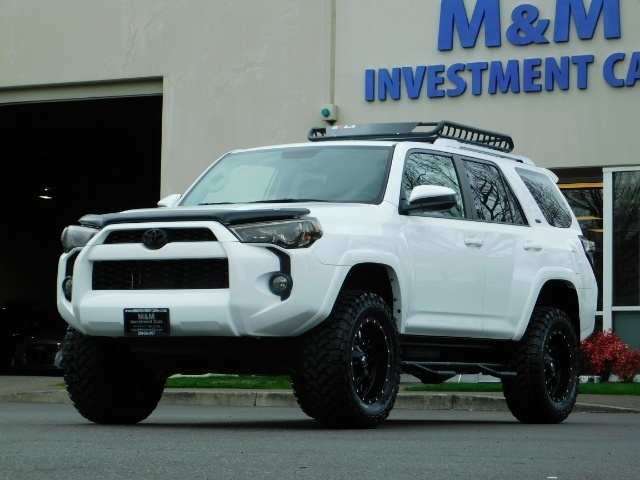 Photo 2016 Toyota 4Runner SR5  4WD  Navi  LIFTED   W