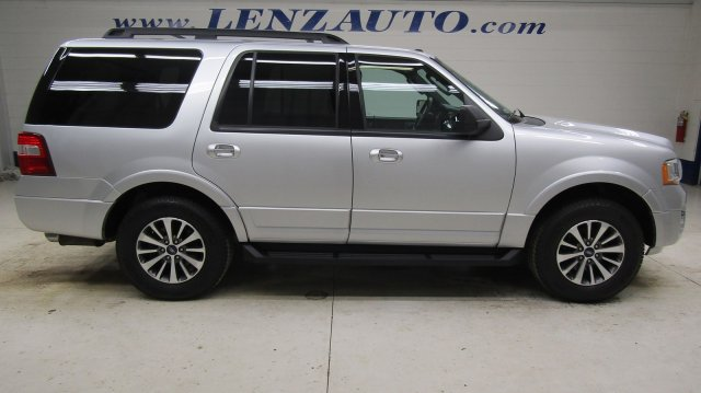 Photo 2017 Ford Expedition 4x4 XLT