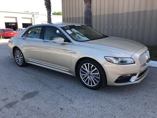 Photo 2017 Lincoln Continental Select 4DR Sedan