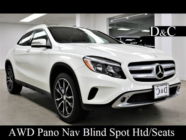Photo 2017 Mercedes-Benz GLA 250 4MATIC Pano Blind Spot Key