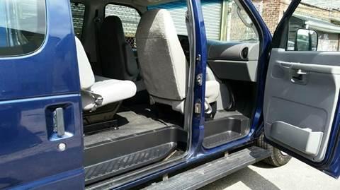 Photo 2008 Ford E-Series Wagon E-350 SD XL 3dr Passenger Van