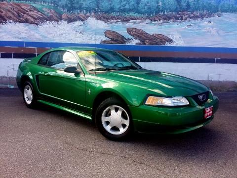 Photo 2000 Ford Mustang Base