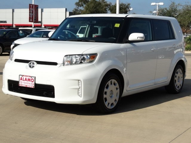 Photo 2013 Scion xB 10 Series