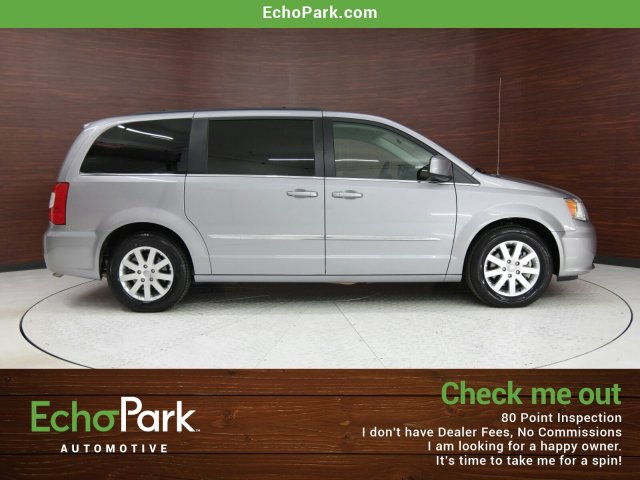Photo 2014 Chrysler Town and Country Touring
