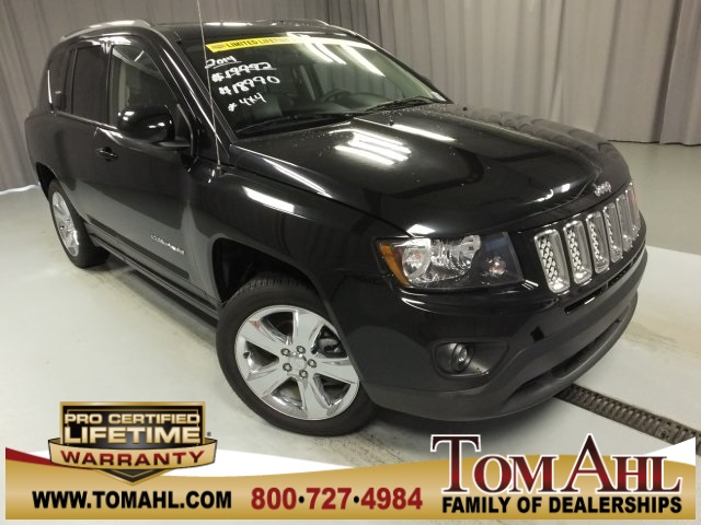 Photo 2014 Jeep Compass Latitude 4x4, Chrome Wheels