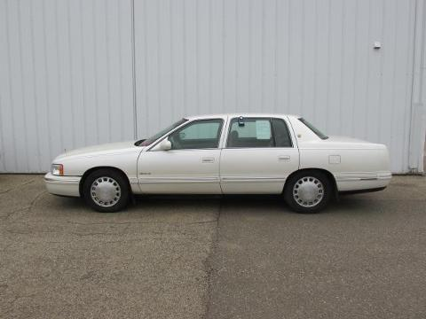 Photo 1999 Cadillac DeVille Base