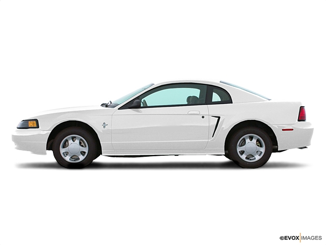 Photo 2001 Ford Mustang 2dr Coupe SVT Cobra