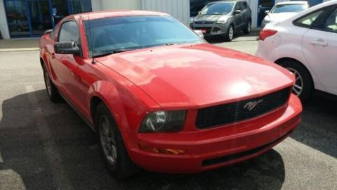 Photo 2005 Ford Mustang V6 Deluxe