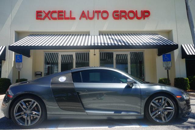 Photo 2014 Audi R8 2dr Coupe Manual quattro V8