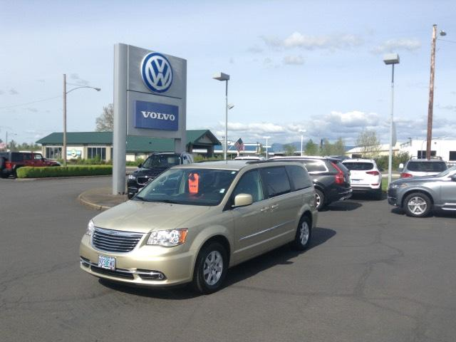 Photo 2012 Chrysler Town and Country 4dr Wgn Touring