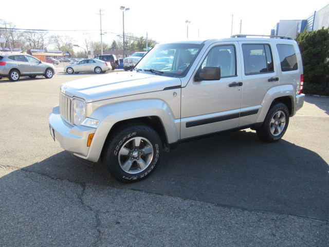 Photo 2008 Jeep Liberty 4WD 4dr Sport