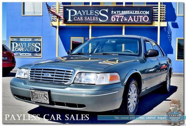 Photo Used 2005 Ford Crown Victoria LX4.6L V8AUTOMATICSUNROOF1-OWNER