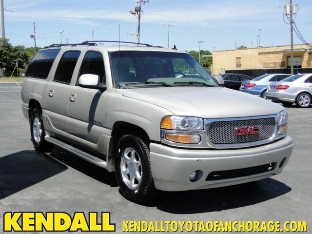 Photo Used 2006 GMC Yukon XL 1500 Denali