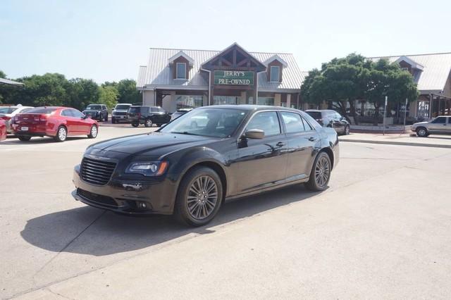 Photo Used 2014 Chrysler 300C John Varvatos Luxury