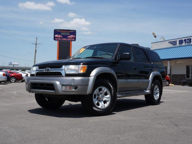 Photo Used 2002 Toyota 4Runner Limited