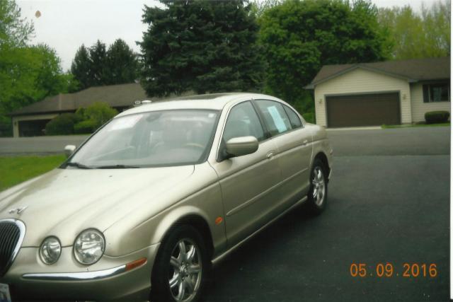 Photo Used 2000 Jaguar S-Type 4.0