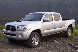 Photo Used 2005 Toyota Tacoma PreRunner Double Cab