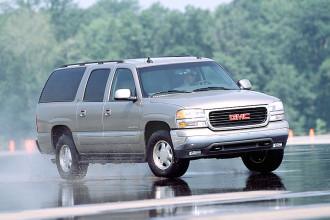 Photo Used 2004 GMC Yukon XL 1500 Denali