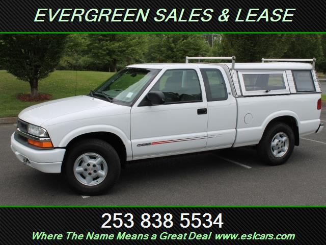 Photo Used 2001 Chevrolet S-10 LS Extended Cab