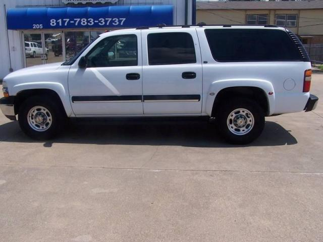 Photo Used 2003 Chevrolet Suburban 2500 LT