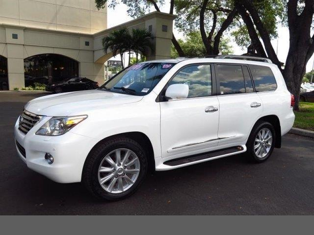 Photo Used 2009 Lexus LX 570