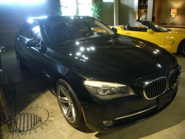 Photo Used 2009 BMW 750 Li