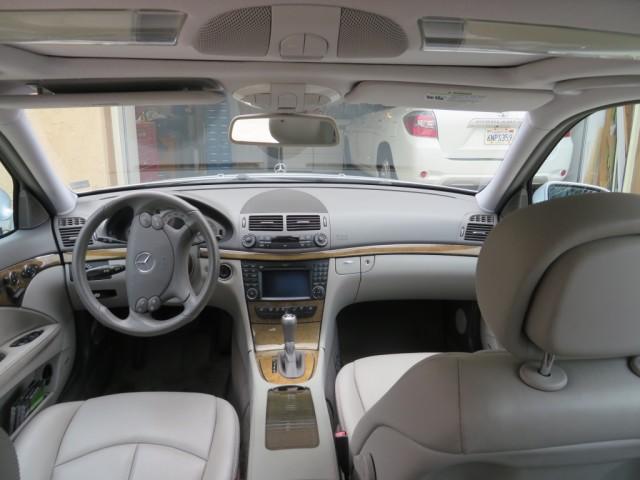 Photo Used 2009 Mercedes-Benz E350 4MATIC