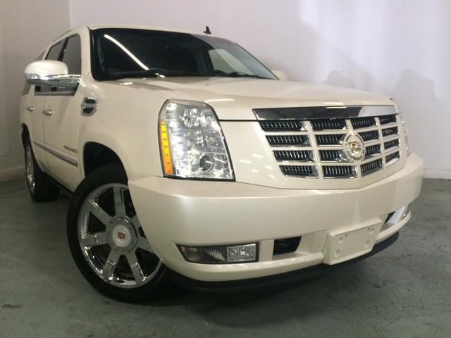 Photo Used 2009 Cadillac Escalade Hybrid Platinum