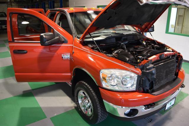 Photo Used 2009 Dodge Ram 2500 SLT Quad Cab