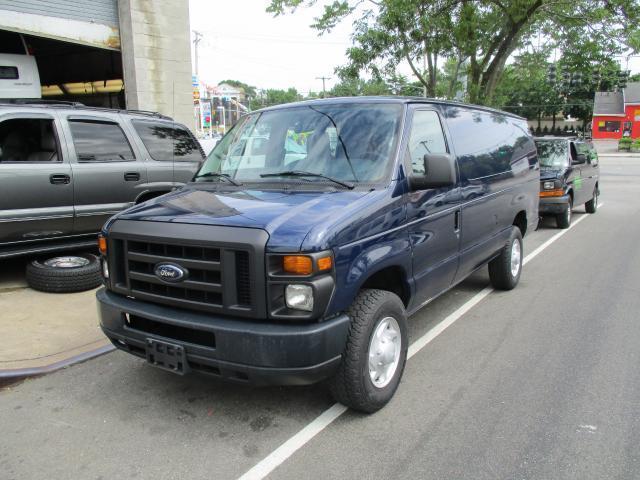 Photo Used 2009 Ford E250 E-250