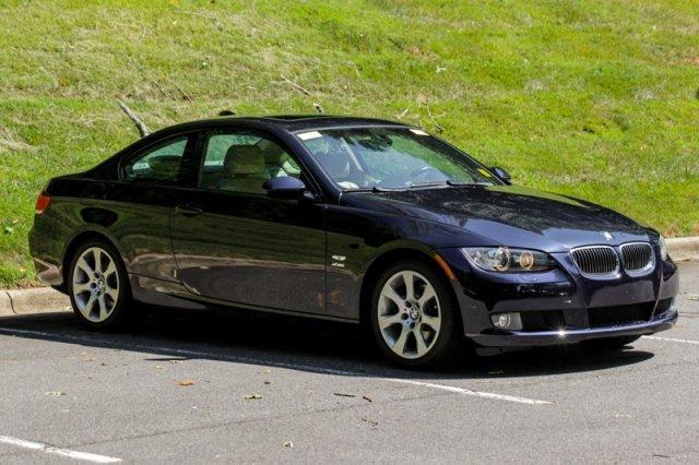 Photo Used 2009 BMW 328 i xDrive