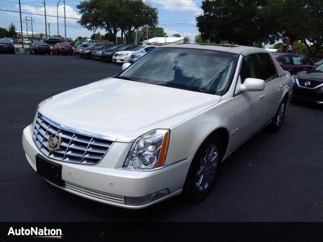 Photo Used 2009 Cadillac DTS w1SH