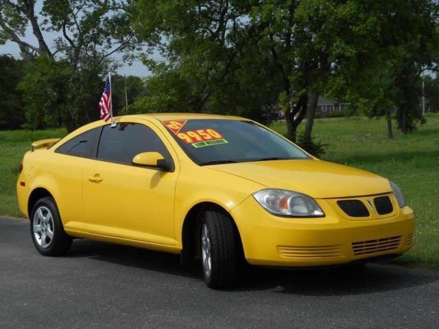 Photo Used 2009 Pontiac G5 Base