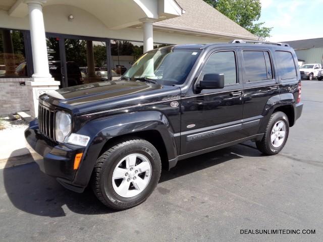 Photo Used 2009 Jeep Liberty Sport