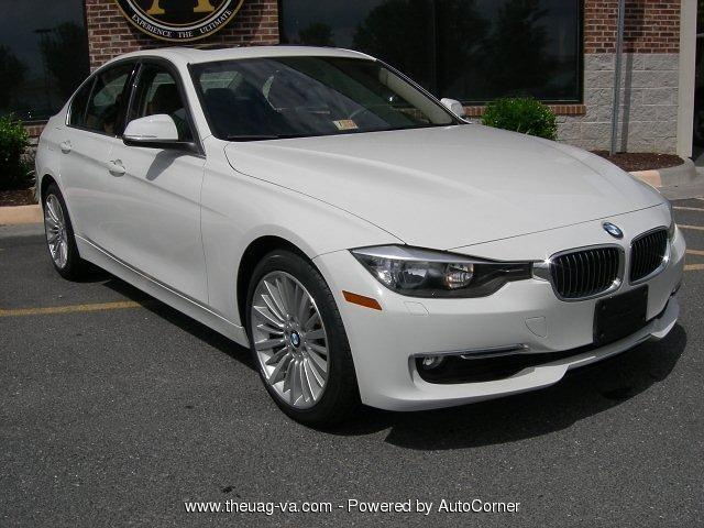 Photo Used 2013 BMW 328 i xDrive