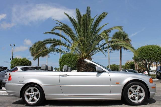 Photo Used 2002 BMW 325 Ci